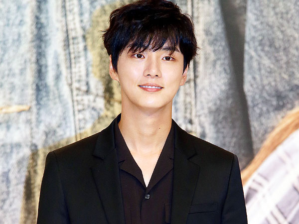 Yoon Shi Yoon Bakal Perankan Dua Karakter Kembar Identik di Drama Baru?