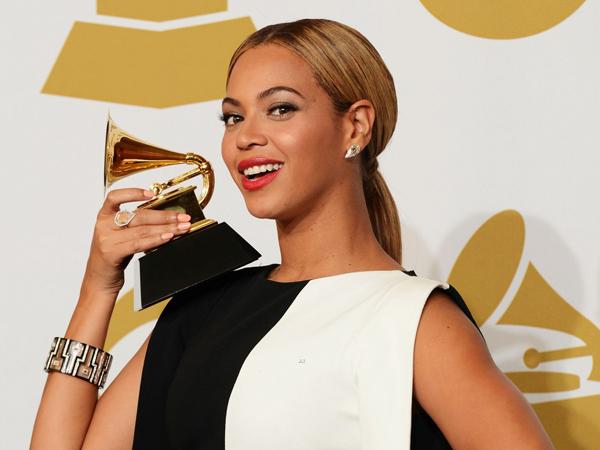 Dapat Empat Nominasi di Grammy Awards 2015, Beyonce Pecahkan Rekor Baru!