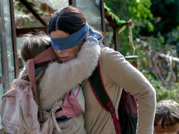 Tren dari Film Viral, Pahami Bahayanya 'Bird Box Challenge' Sambil Beraktifitas!