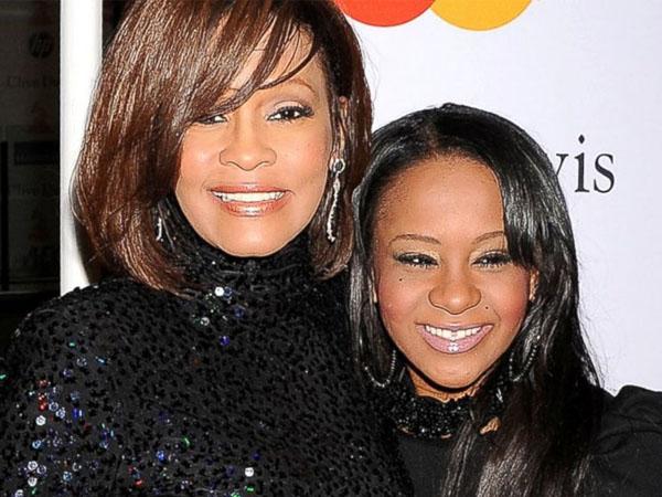 Kondisi Kian Memburuk, Putri Mendiang Whitney Houston Dipindah Ke Ruang Perawatan Khusus Pasien Sakit Kronis