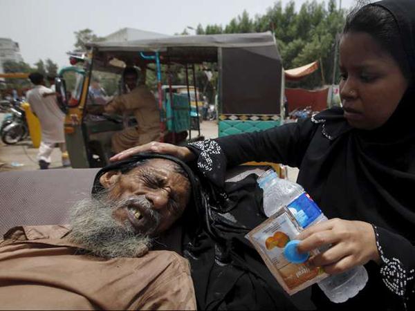 Dilanda Gelombang Panas, Muslim Pakistan Diimbau Agar Tak Berpuasa