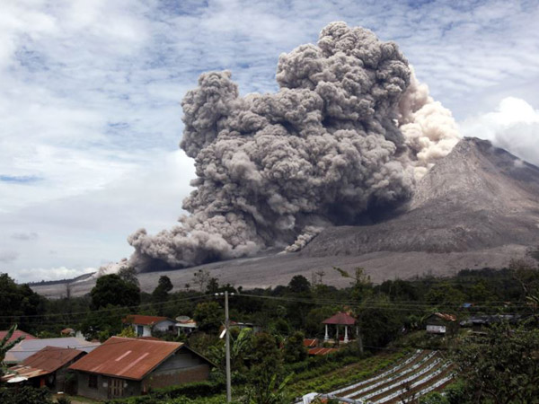 Diam-diam Gunung Sinabung Meletus Lagi, Warga: Sudah Biasa Setiap Hari