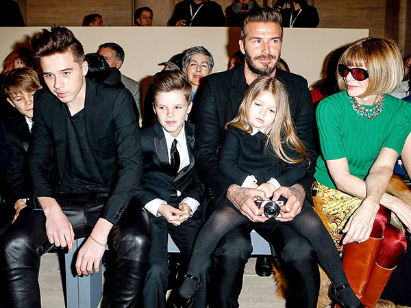Hadiri Fashion Show Ibunya di New York Fashion Week, Harper Beckham Bosan?