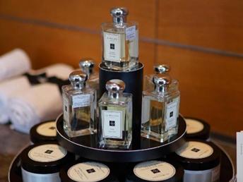 Tips Pakai Parfum Agar Awet Seharian dari Bos Jo Malone London