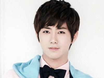 Kwanghee Ze:A Sempat Menangis Karena Tak Puas Dengan Rupanya