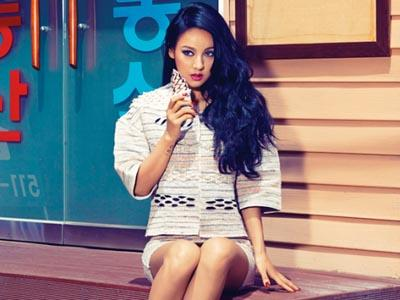 Romantis! Lee Hyori Pamer Video Saat Dilamar Lee Sang Soon