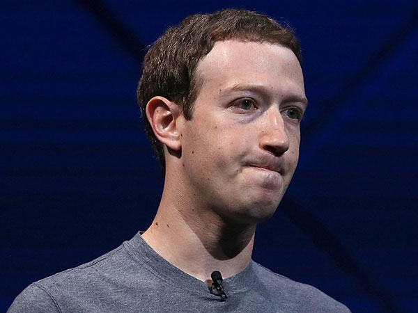 Kekayaan Mark Zuckerberg Merosot Tajam Usai WhatsApp dan Instagram Down