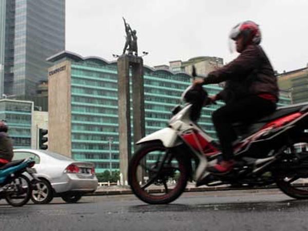 Ini Denda yang Harus Dibayarkan Jika Pengendara Motor Terobos Jalan Thamrin