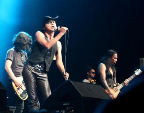 Rif Siapkan Konser Tunggal dan Album Baru