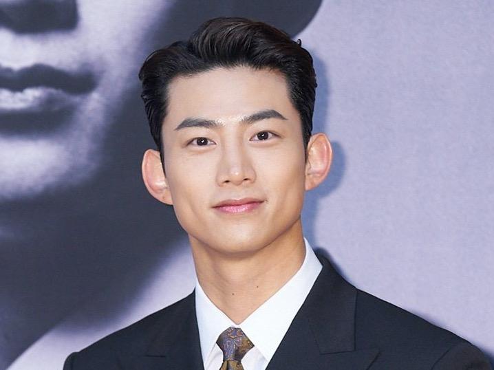 Taecyeon Akui Punya Kemiripan dengan Karakter Villain di Vincenzo