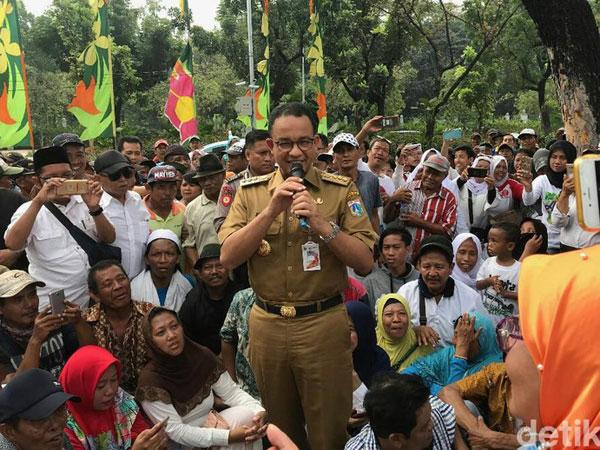 Jawaban 'Ngambang' Anies Saat Ditanya Pendemo Soal Akan Maju Pilpres 2019 atau Tidak