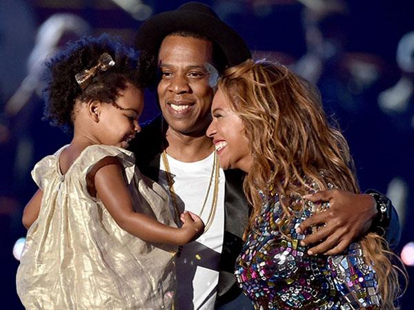Bantah Akan Cerai, Beyonce Liburan Manis Bersama Jay Z dan Blue Ivy!