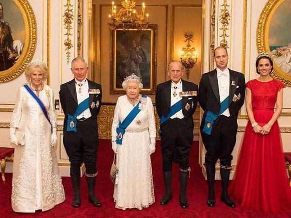 Cari Tahu Arti di Balik Aturan Berbusana Keluarga Kerajaan Inggris Yuk