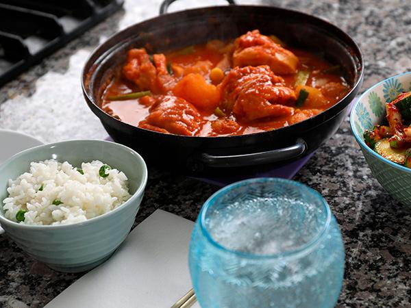 Dakbokkeumtang, Sup Ayam Pedas Korea Inspirasi Menu Buka Puasa