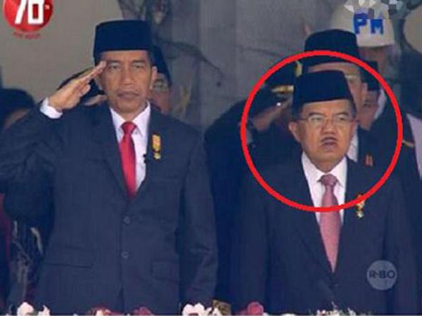 Netizen Heboh Wapres JK Tidak Hormat Pada Bendera Merah Putih