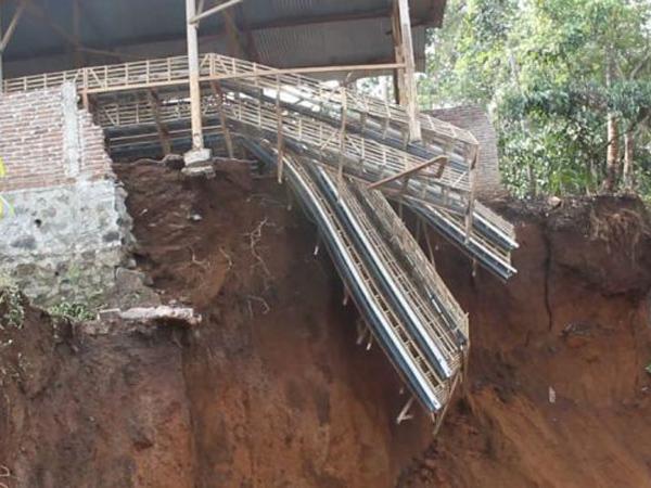 Hujan Berkepanjangan Dalam Semalam, Satu Rumah Terkena Longsor di Jagakarsa
