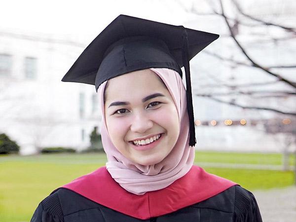 Sosok Nadhira Nuraini Afifa, Lulusan Harvard Asal Indonesia yang Sangat Menginspirasi