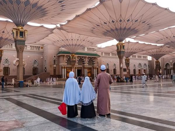 Pukulan Telak Di Tahun Berat Arab Saudi, Umrah Sepanjang 2020 Ditunda