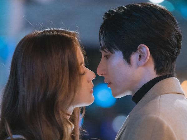 Suasana Romantis di Balik Adegan Ciuman Shin Do Hyun dan Lee Soo Hyuk
