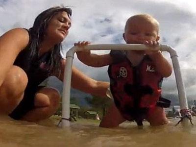 Wow, Bayi 7 Bulan Belajar Ski Air