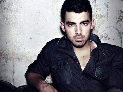 Wow, Joe Jonas Jadi Musisi Tereksis di Instagram!