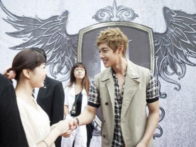 Kim Hyun Joong Donasikan 5 Juta Won Untuk Palang Merah