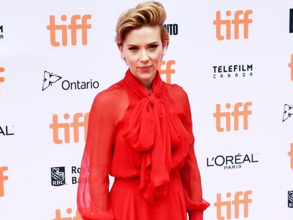 Tinggalkan Dunia Hiburan, Scarlett Johansson Berencana Terjun ke Politik?
