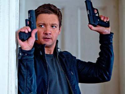 Bourne Legacy Kalahkan Batman di Box Office