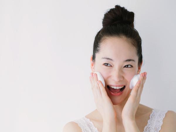 Teliti Pilih Sabun Pembersih Muka, Ini Kandungan Bahan yang Harus Dihindari