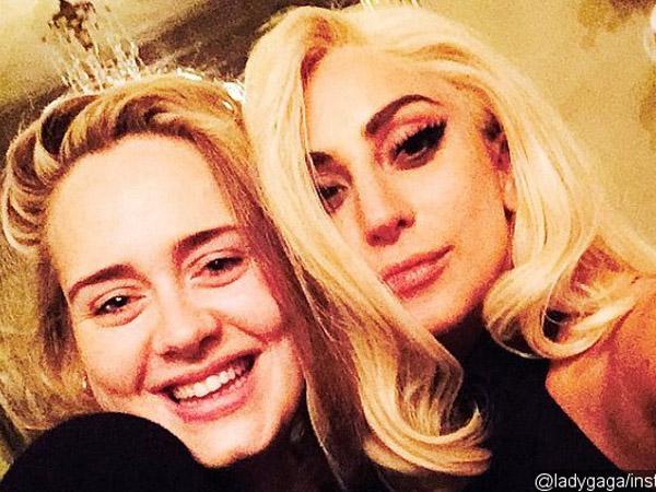 Wah, Lady GaGa Bocorkan Akan Kolaborasi Bareng Adele Lewat Selfie!