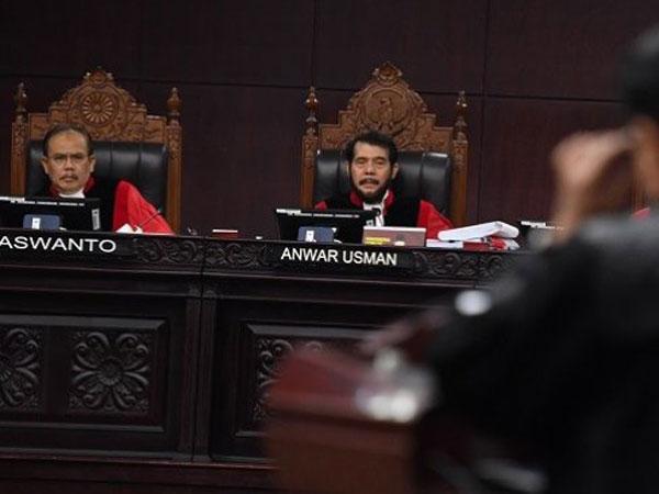Keputusan Sidang: Dalil Kecurangan dari Prabowo-Sandi yang Dipatahkan Mahkamah Konstitusi