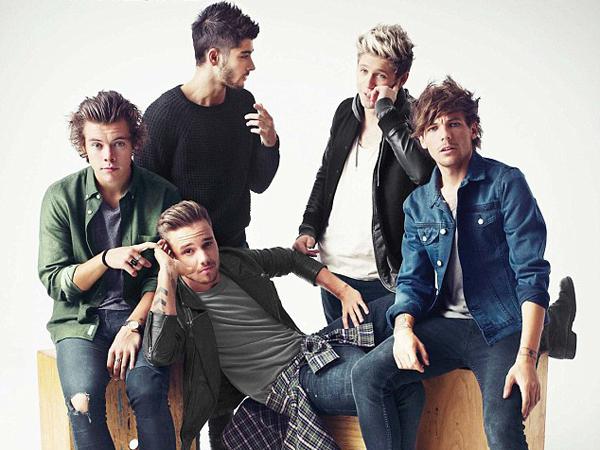 One Direction Hanya Ingin Diwawancara Ekslusif Sambil Naik Roller Coaster?