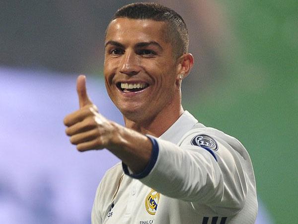 Diam-diam Cristiano Ronaldo Punya Anak Kembar?