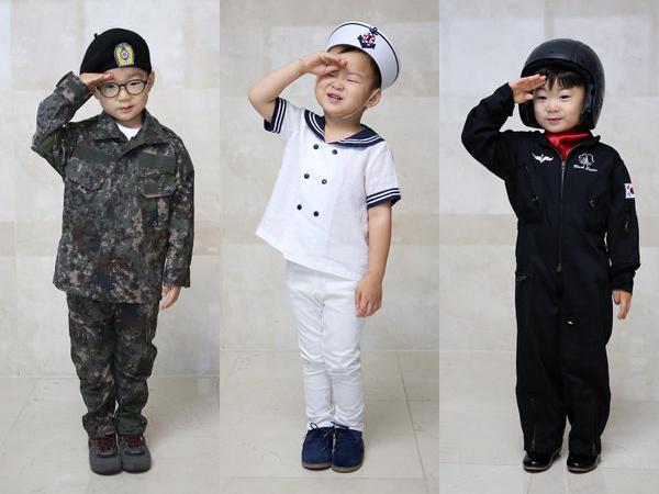 Potong Rambut, Song Triplets Siap Ikut Wajib Militer?
