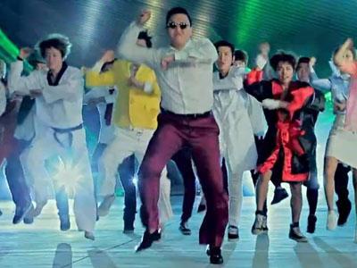 Wow Psy Flashmob Bareng 20 Ribu Orang