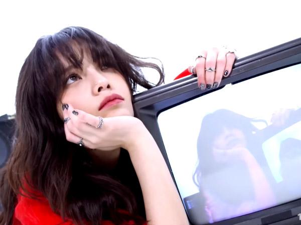 Jimin AOA Tampil Menggoda dan Super Stylish di MV Comeback Solo 'Hallelujah'
