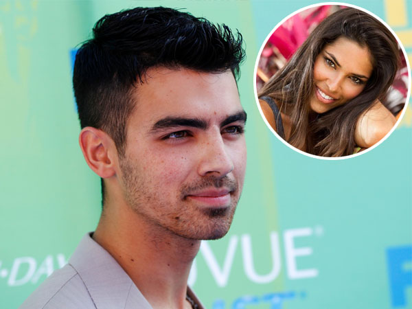 Makan Siang Bareng, Inikah Pacar Baru Joe Jonas?