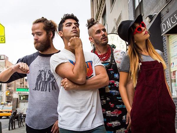 Comeback ke Musik, Joe Jonas Bentuk Band Baru Bernama 'DNCE'