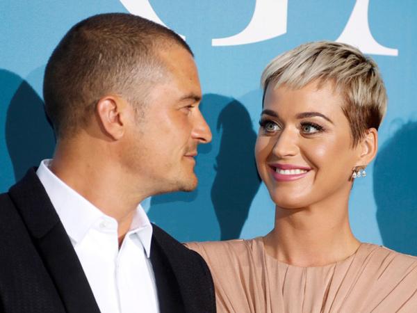Kompak Posting Foto Cincin, Katy Perry dan Orlando Bloom Resmi Tunangan Tepat di Hari Valentine