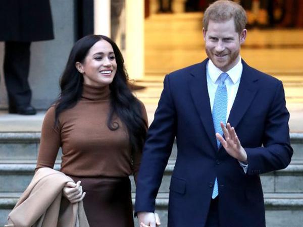 Pangeran Harry dan Meghan Markle Umumkan Mundur dari Kerajaan Inggris