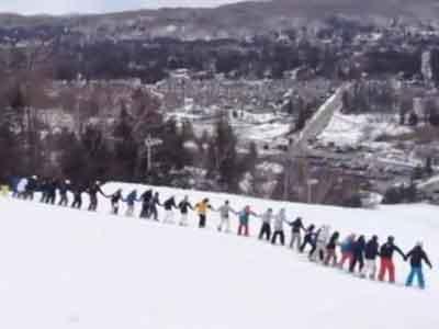 30 Pemain Ski Kanada Coba Ukir Rekor Dunia