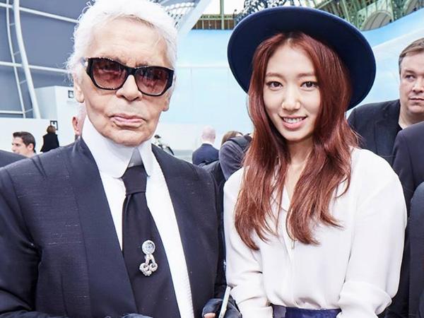 Park Shin Hye Hadiri Runway Show Chanel di Paris Fashion Week