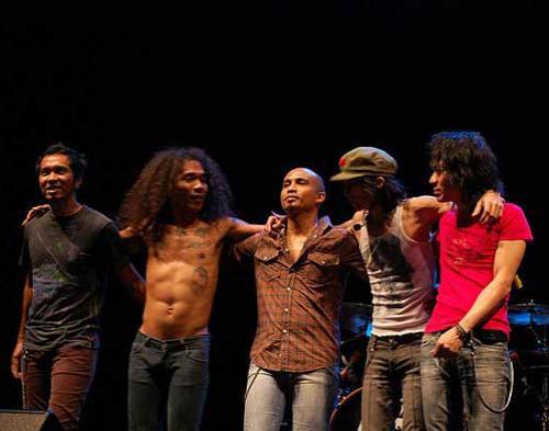 Slank dan Sejumlah Musisi Gelar Konser Dukung Komodo