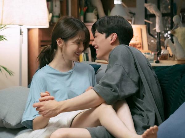 Babak Baru Hubungan Song Kang dan Han So Hee di Episode Baru 'Nevertheless'
