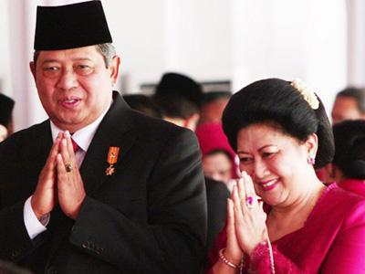 Nonton Habibie & Ainun, SBY dan Ibu Ani Menitikan Air Mata