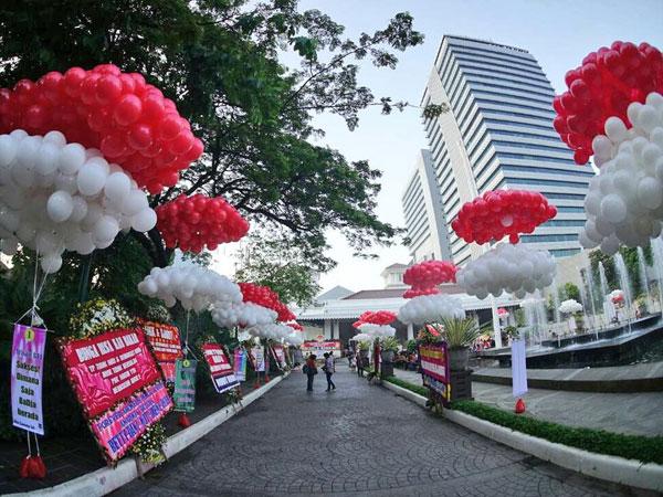 Pendukung Kirim 10.000 Balon Merah Putih untuk Ahok Jelang Vonis