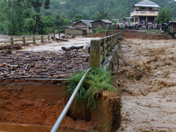 Banjir Besar Makan Ratusan Korban Jiwa di Negara-negara Asia Selatan