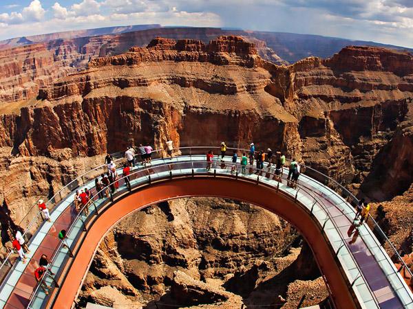 Hilang Dua Tahun, Kamera Ini Beri Penampakan Grand Canyon Dari Luar Angkasa!