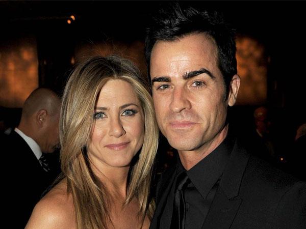 Sebar Undangan Dengan Alasan Pesta Ultah, Jennifer Aniston dan Suami Tipu Para Tamu