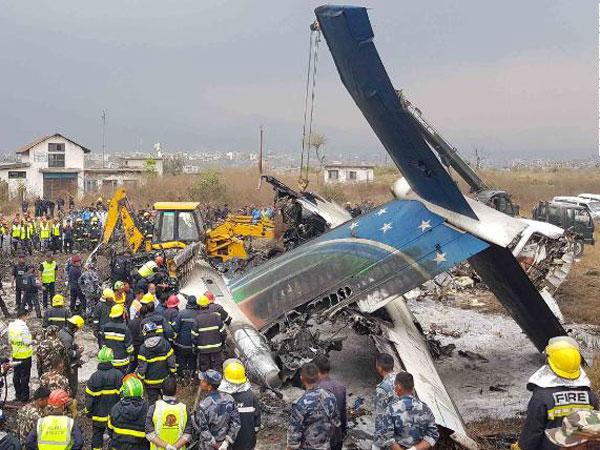 Dokumentasi Foto dan Video Mengenaskan Kecelakaan Pesawat Bangladesh di Nepal